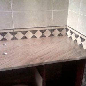 Breccia Sareda mészkő fürdőszobapult 2