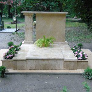 180x220-cm-süttői-mészkő-síremlék-1
