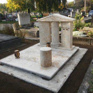 180x220-cm-süttői-mészkő-síremlék-2_retus