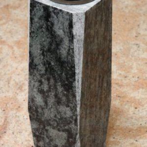 25.-Gránit-váza (1)