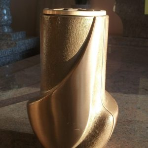 6.-Bronz-váza
