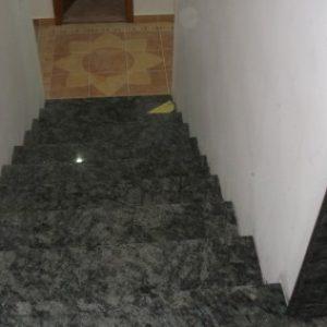 Olive Green gránit lépcső