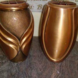 7.-Bronz-váza
