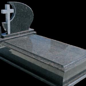 Klasszikus fedlapos síremlék íves keresztes fejkővel